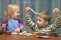 Sociální dávka přídavky na dítě jsou určeny především pro rodiny (s dětmi), které mají nižší příjmy.