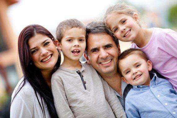 Pro nárok na rodičovský příspěvek nejsou žádné složité podmínky. Celková výše RP je 220 000 Kč.