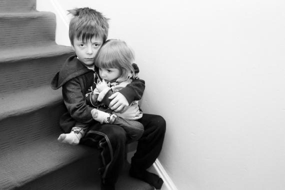 Na sirotčí důchod má nárok nezaopatřené dítě v případě, že zemře jeho rodič nebo osvojitel nebo osoba, která dítě převzala do péče (na základě rozhodnutí soudu).