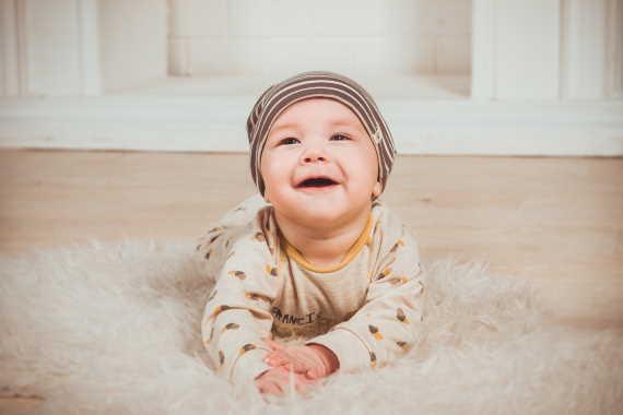 <span>Porodné je jednorázová sociální dávka, kterou můžete dostat při narození prvního dítěte (13000 Kč) nebo při narození druhého dítěte (10000 Kč). </span>