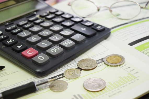 <span>V této mzdové kalkulačce, si můžete spočítat, jaká by měla být vaše čistá mzda. Můžete tak snadno zjistit, kolik by vám každý měsíc mělo přijít od zaměstnavatele na účet. Podíváme se na to, na jaké daňové slevy a zvýhodnění máte v roce 2020 nárok.</span>