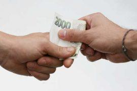 Potřebujete rychle sehnat peníze a bojíte vysokých poplatků? Tady nemusíte. První půjčka je zde skoro zdarma (platíte jen jednu splátku navíc, bez dalších úroků a bez poplatků). Můžete zde ihned dostat 10 000 Kč i v hotovosti na ruku. Stačí jen vyplnit nezávaznou online žádost a do 10 minut víte, kolik můžete dostat.